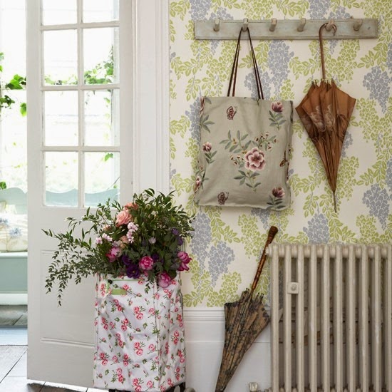 Tres claves para una casa small lowcost decoraci n - Papeles pintados originales ...