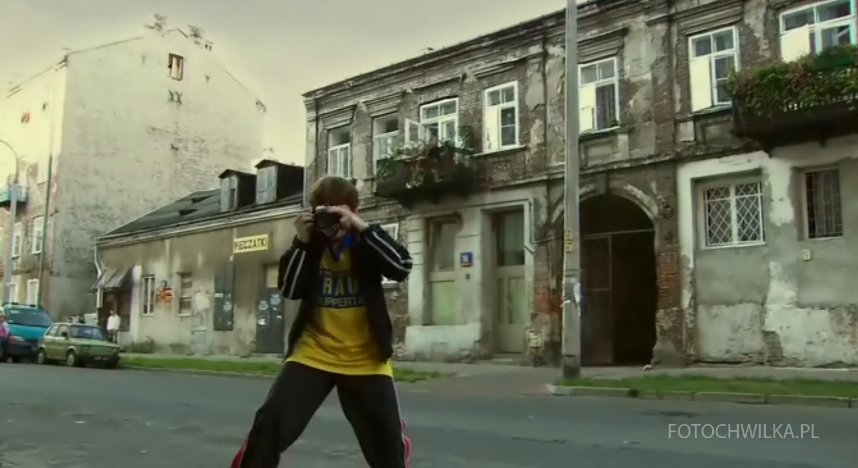 Rezerwat. Kadr z filmu. Mały Grześ tuż przez wypadkiem.