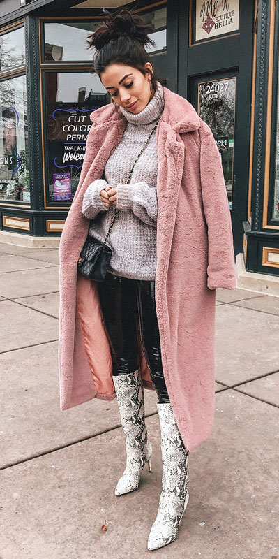 The holidays are here, these simple but cute festive outfit ideas are ready to help you shine glamorously in your upcoming Instagram photos. Holiday Fashion + Style via higiggle.com | pink fur teddy coat + grey jumper | #festivestyle #holiday #christmas #coat