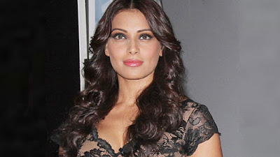 Sexy-Heroin-Bipasha-made-some-interesting-comments-on-a-talk-show-andhra-talkies