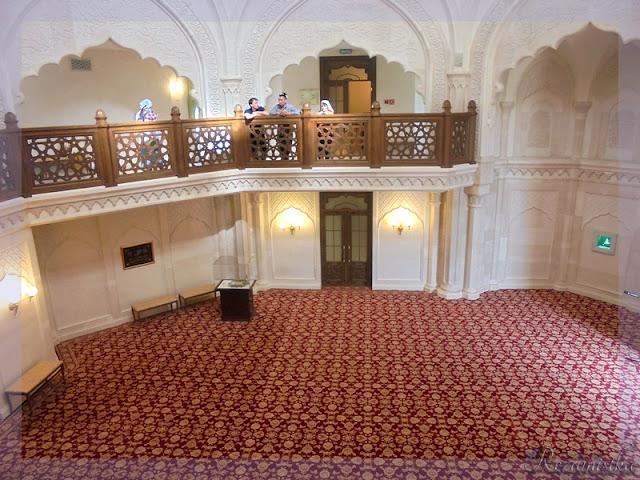 молебная белой мечети
