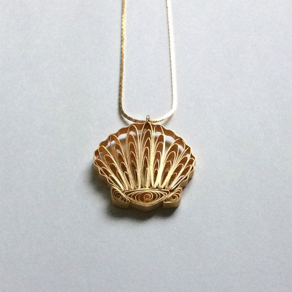 Quilled scallop shell pendant with gold necklace chain