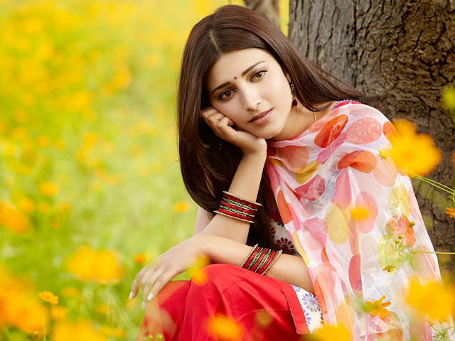 Shruti Hassan Cute Photo