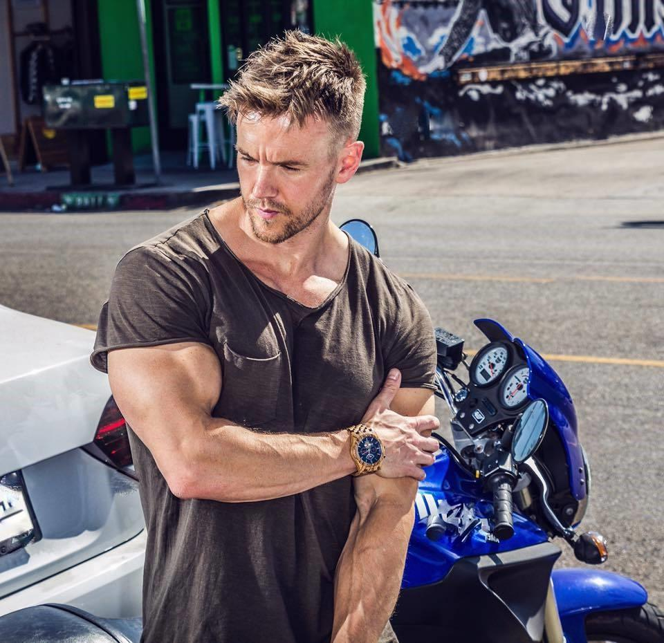 attractive-healthy-dude-huge-biceps-young-strong-masculine-alpha-daddy