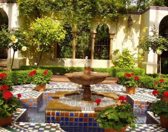 New Home Designs Latest.: Home Gardens Fountain Designs Ideas