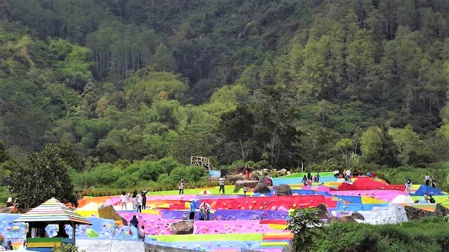 Indahnya Warna-warni di Bumi Pelangi Kuningan Jawa Barat