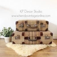 Comprar maletas antiguas de tela principios de siglo vintage para emplear en decoración