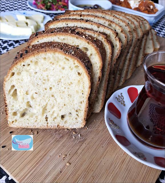 Ekşi Mayalı Tost Ekmeği