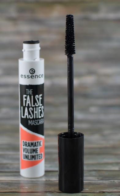 Essence the false lashes Mascara dramatic volume unlimited Bürstchen