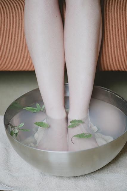 3 cara mengurangi stres pada kaki