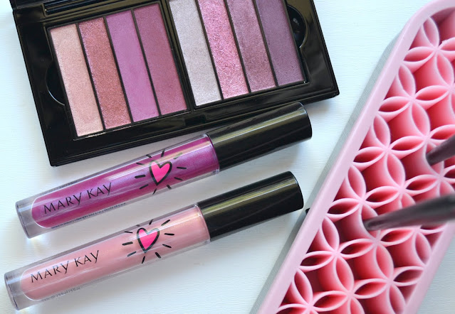 Mary Kay Summer Collection Flatlay