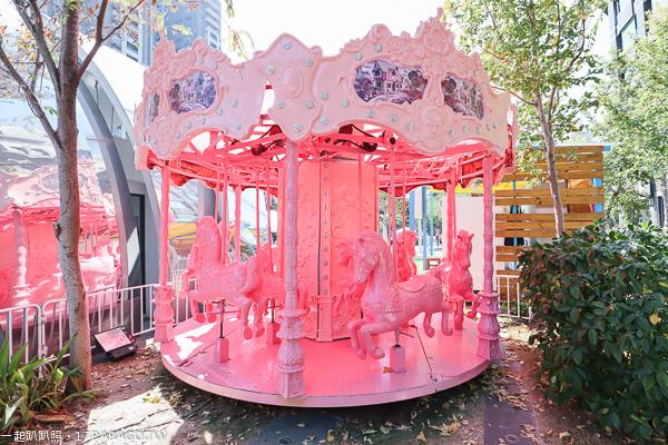 2018台中聖誕節活動,草悟廣場,粉紅樂園,恐龍派對氣墊樂園,許下一個禮物吧