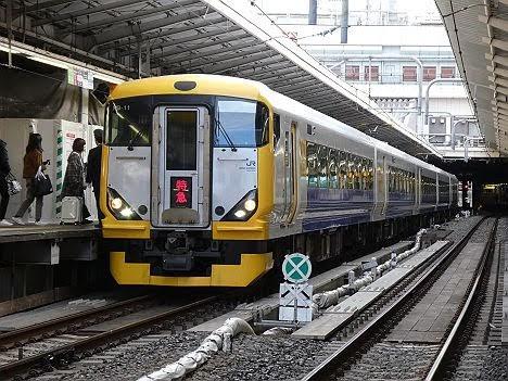 【まさかの専用HMは?】かいじ195号 甲府行き E257系500番台