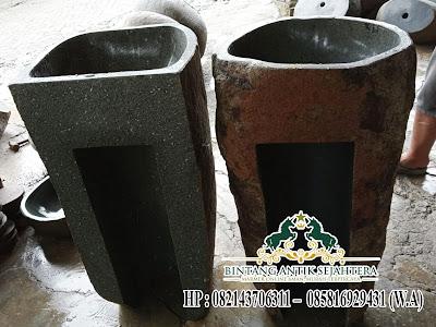 Pedestal Batu Kali