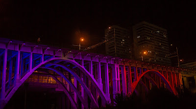 Мост город ночь подсветка неон Волгоград