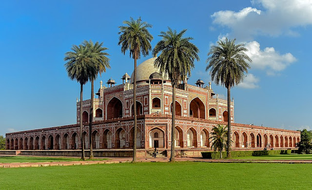 14 Insanely Photogenic Historical Places in North India, humayun's tomb