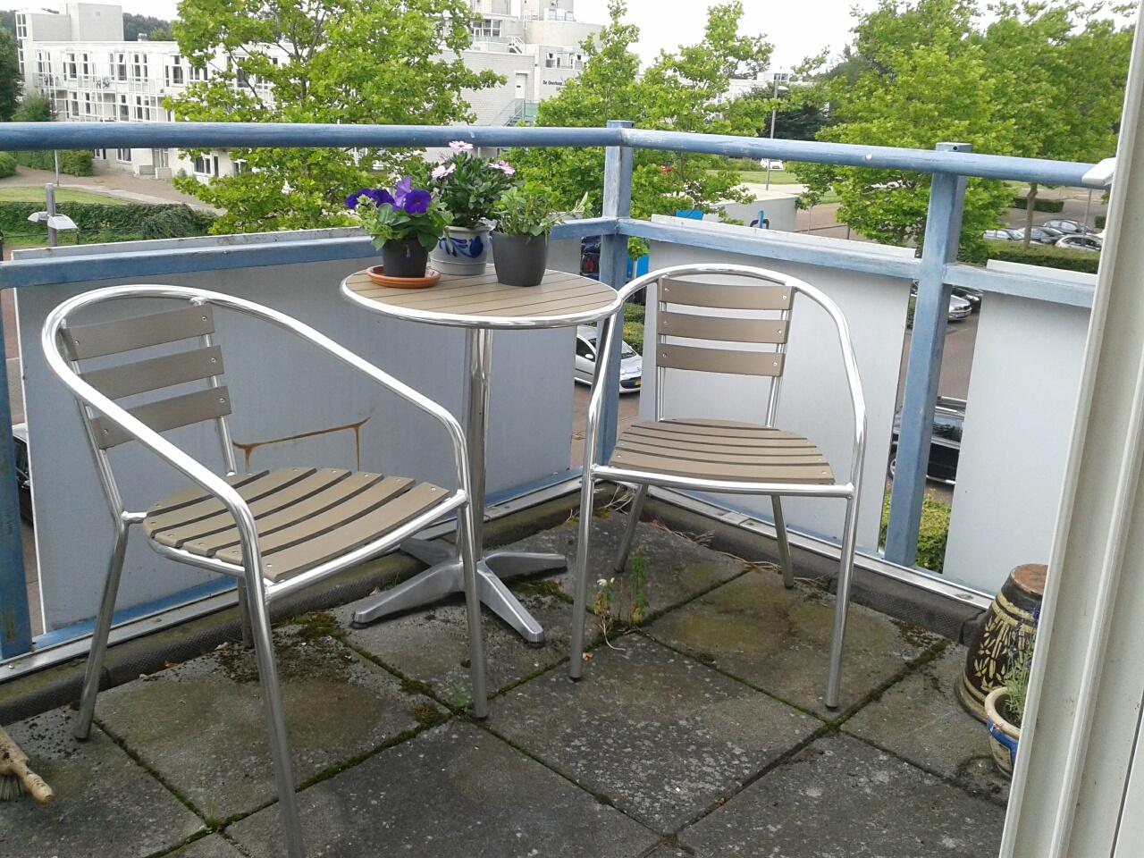 Bettina schrijft: Het balkon is weer klaar (eindelijk)