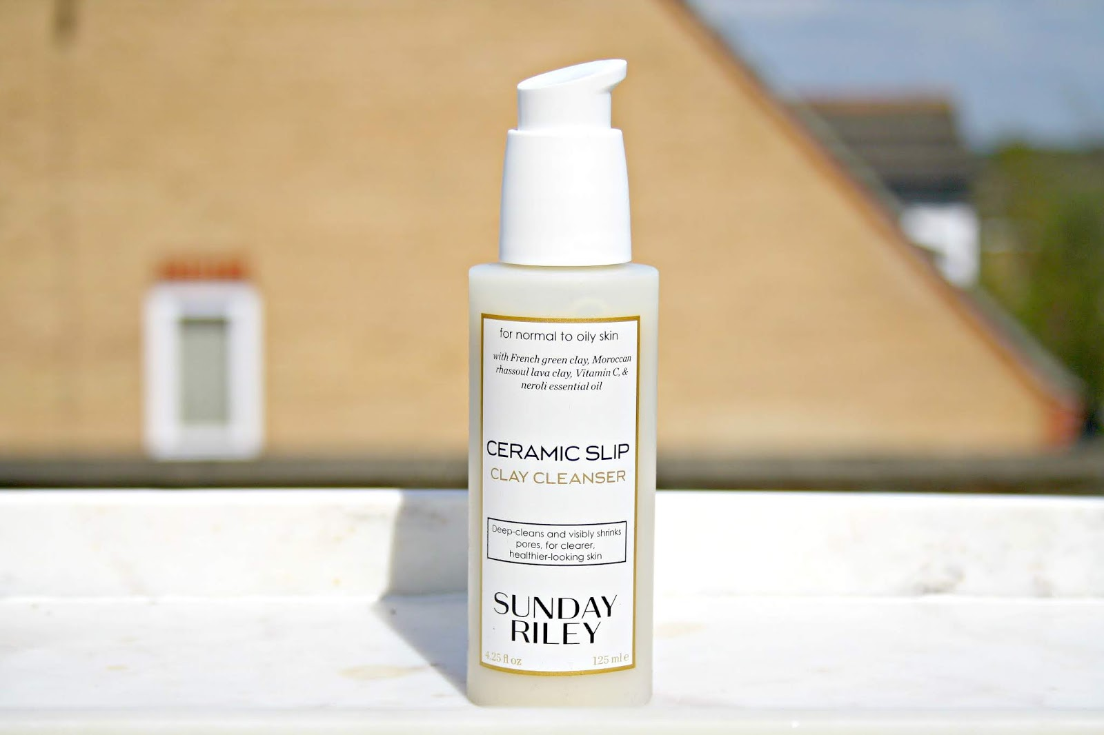 Sunday Riley Ceramic Slip Clay Cleanser Beauty Queen Uk Bloglovin Curcuma Rmulsion Blackcurrant Flavour Designed To Be Used Ideally On Normal Oily Skin Which I Kind Of Have With Combination Leaves Me This Cleaner Is Described As Being Deep
