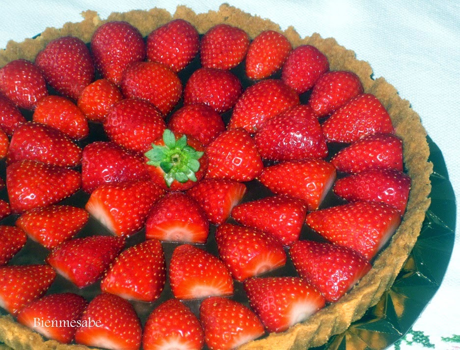 tarta de chocolate y fresas facil2