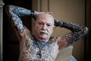 mayores con tatuajes 5