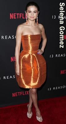 輝く太陽!セレーナ・ゴメス、ビタミンカラーのドレスで「13の理由」プレミアに登場