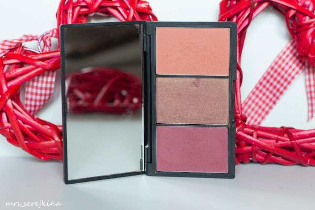 палетка румян Sleek Blush By 3 Palette Sugar