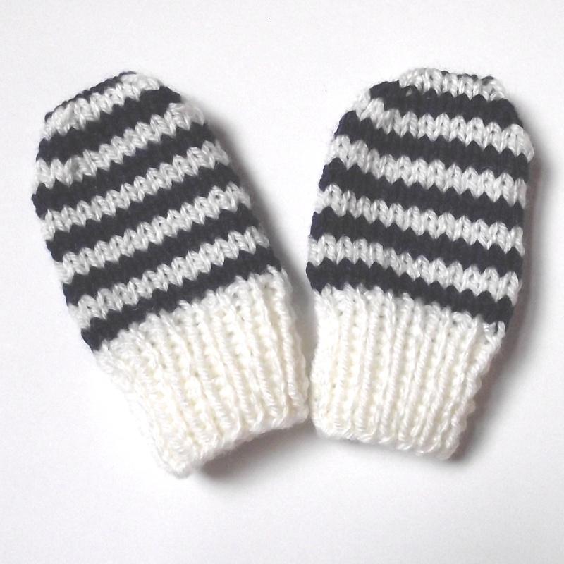 The Nutty Knitter's blog: Newborn baby mittens