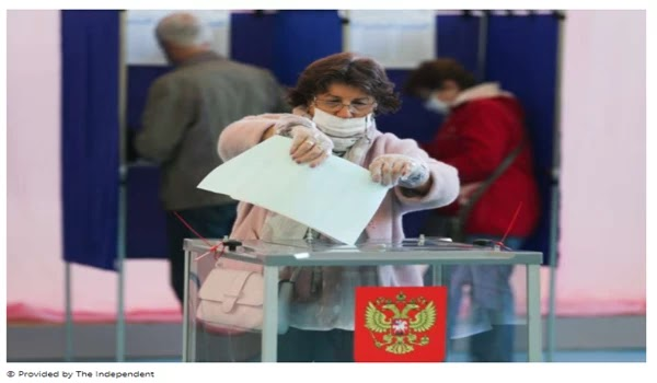 Clean sweep: Russian woman defeats pro-Putin boss in council elections