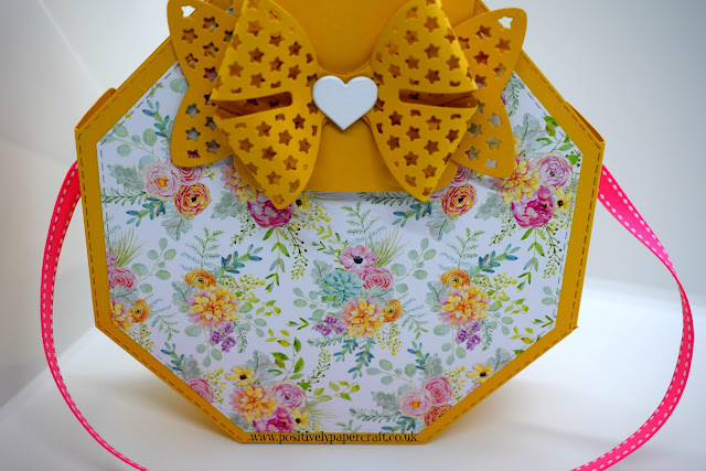 Positivelypapercraft Hexagon bag tutorial