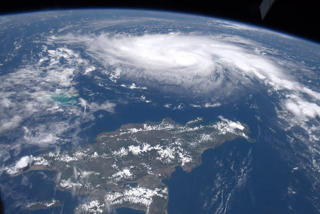 Furacão Dorian visto do espaço, próximo a Bahamas