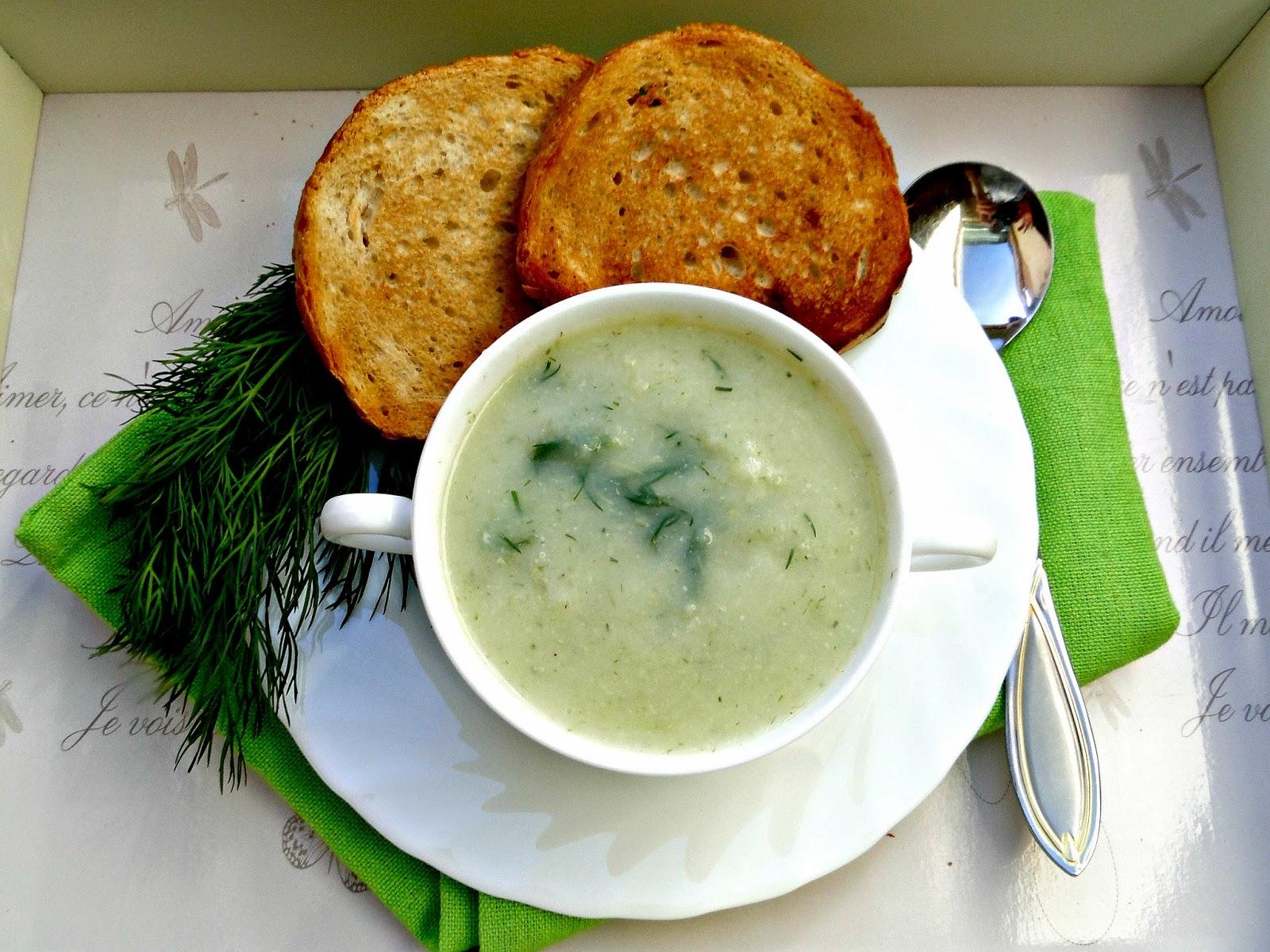 Zupa koperkowa krem z grzankami