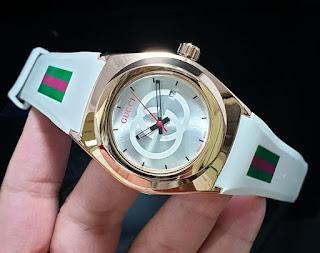 Jam Tangan wanita Gucci warna putih