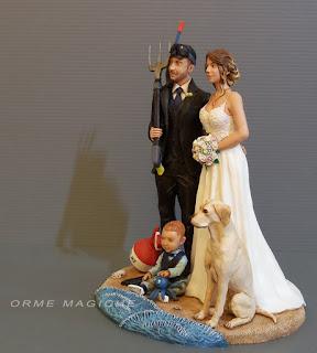 Sposini torta nuziale personalizzati sposo pesca subacquea bambino e cane orme magiche