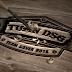 Chia sẽ file PSD Logo mockup gỗ