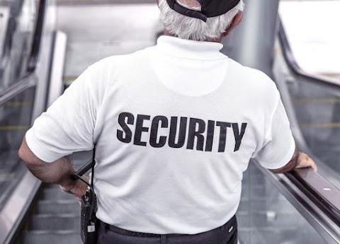 Életveszélyt okozó testi sértés miatt emeltek vádat egy biztonsági őr ellen