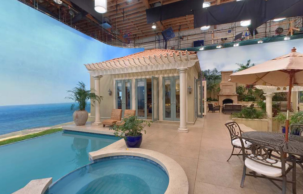 everything the o c behind the scenes secrets of the pool house. Black Bedroom Furniture Sets. Home Design Ideas