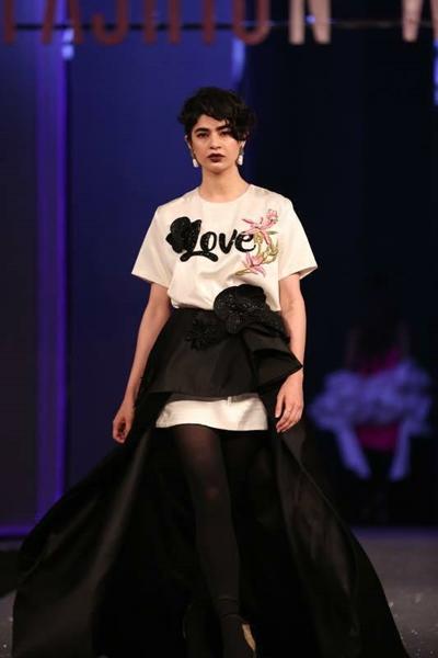 Designer Sana Safinaz Chateau Marmont for PSFW 2017