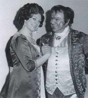 Colzani with the soprano Renata Tebaldi, with whom he starred many times