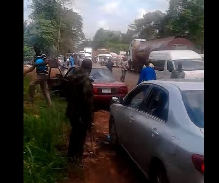You Won't Believe What a Soldier Did to Almost 10 Cars for Driving Against Traffic (Video)