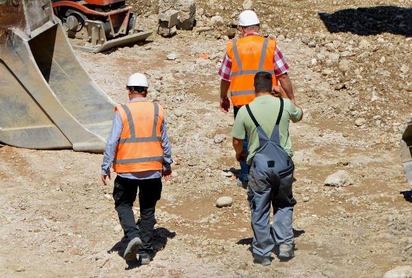 cantiere edile-edilizia-operaio-capo cantiere
