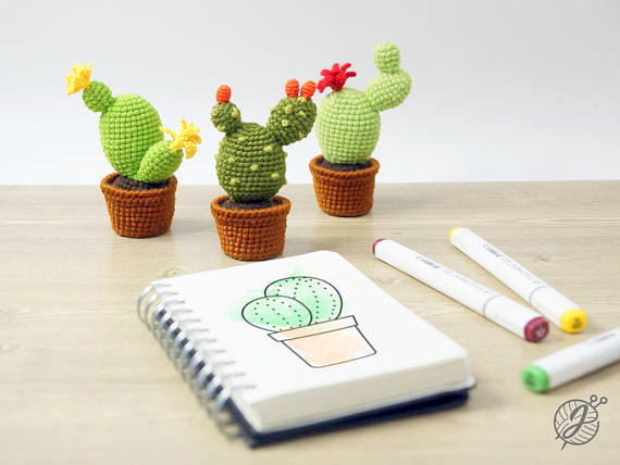Amigurumi Cacti. Make these crochet bookends to decorate your home!   428x570