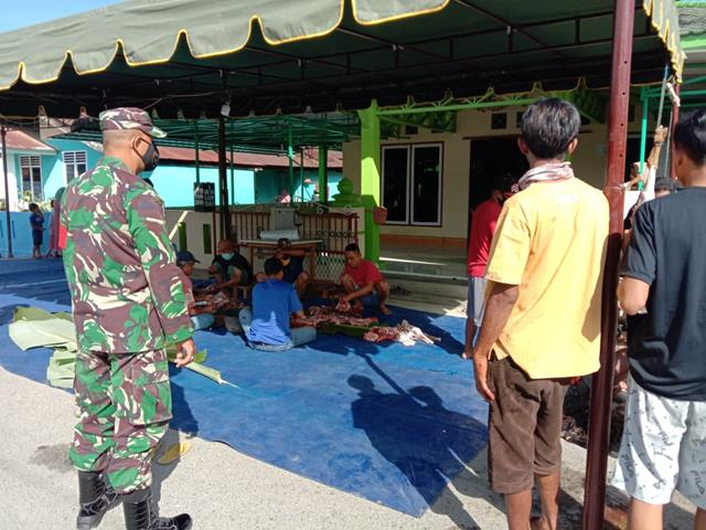 Idul Adha Tiba, Personel Jajaran Kodim 0207/Simalungun Amankan Pemotongan Hewan Kurban