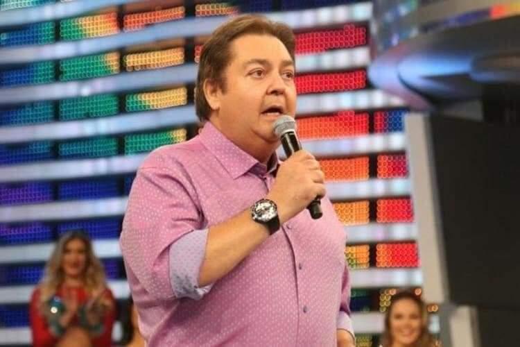 Após 33 anos de Globo, Faustão fecha contrato com a Rede Bandeirantes.