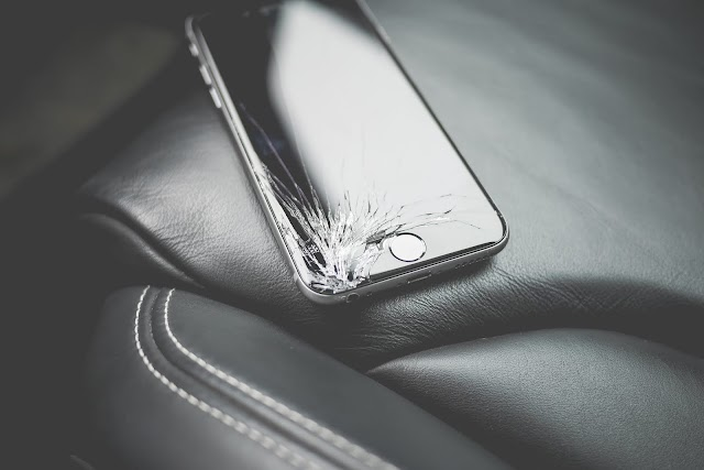 How to Use a Touchscreen Damaged Smartphone [Solved]