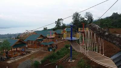 Keindahan Alam Bukik Cinangkiak Dipinggir Danau Singkarak