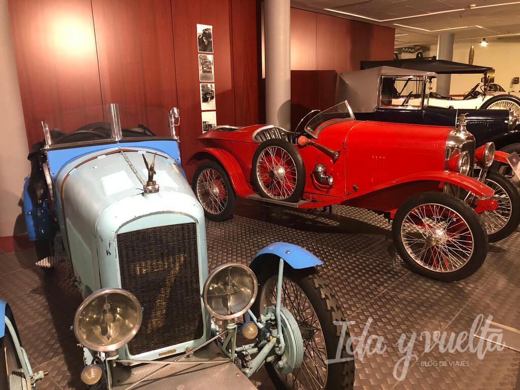 Museo de Historia de la Automoción clásicos de colores