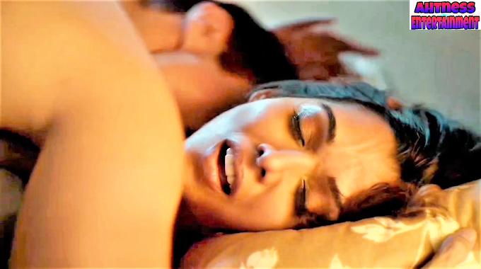 Anupriya Goenka sexy scene - Aashram s01ep08 (2020) HD 720p