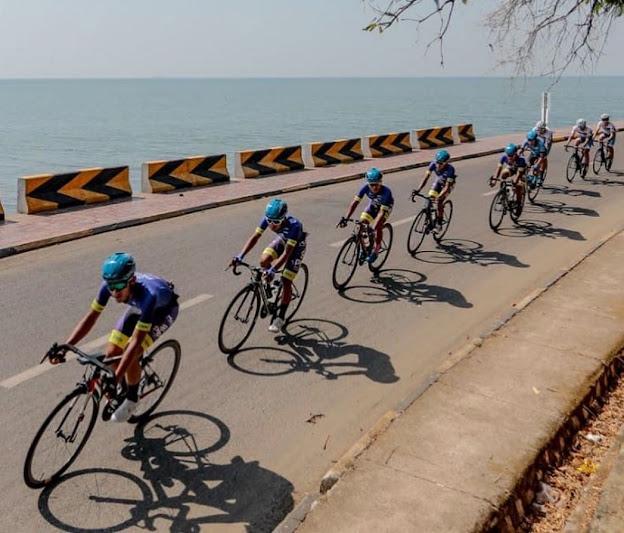 Ilustrasi: Para pembalap PRCT saat belaga di ajang Cambodia Bay Cycling Tour  pada Januari 2020 lalu