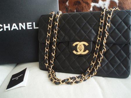 41706def9f8d0 Wtedy to Coco Chanel zleciła wykonanie torebki warsztatowi Alebrta Monnota.  Kreatorka dodała do niej swój