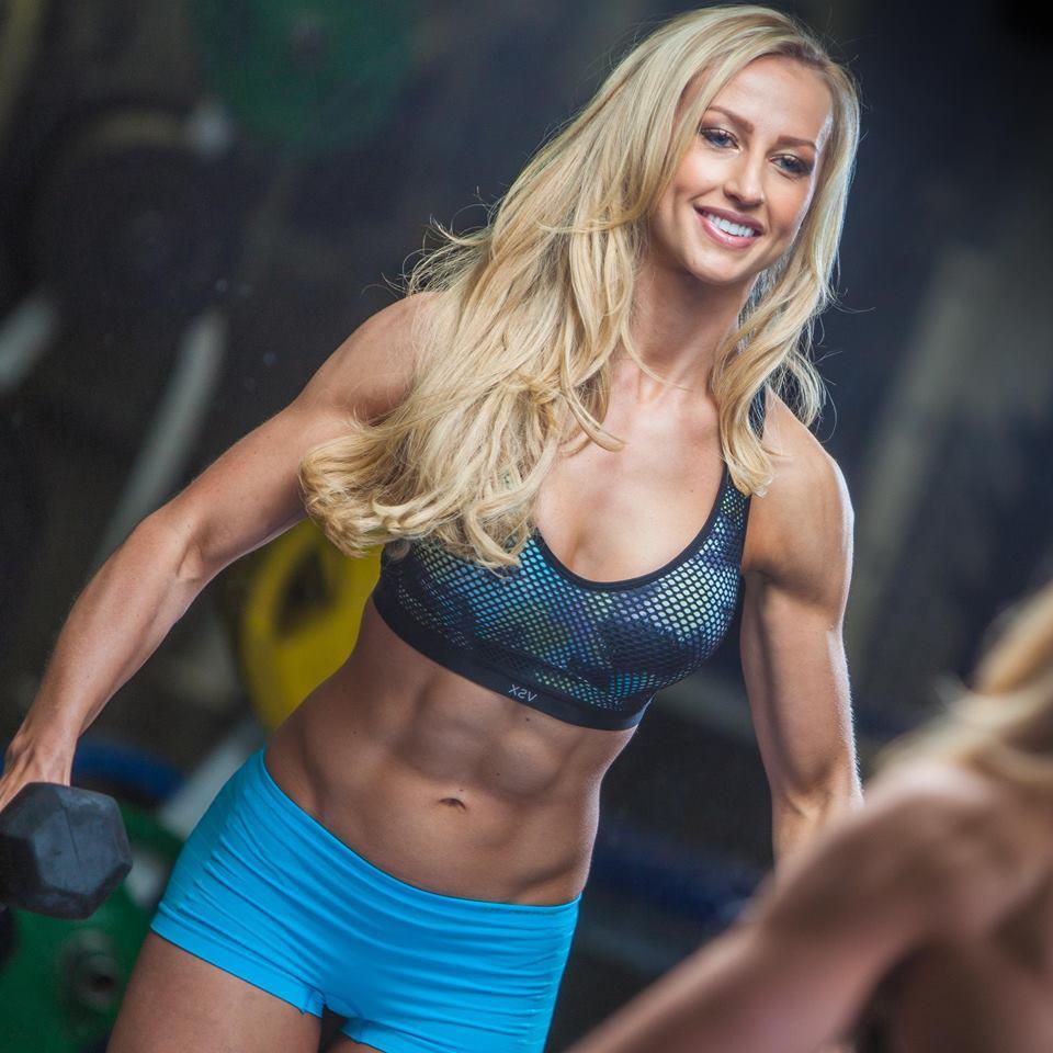 Davina Dumbbell Set: Fitness Workouts: WBFF Diva Bikini Pro Davina Tombs
